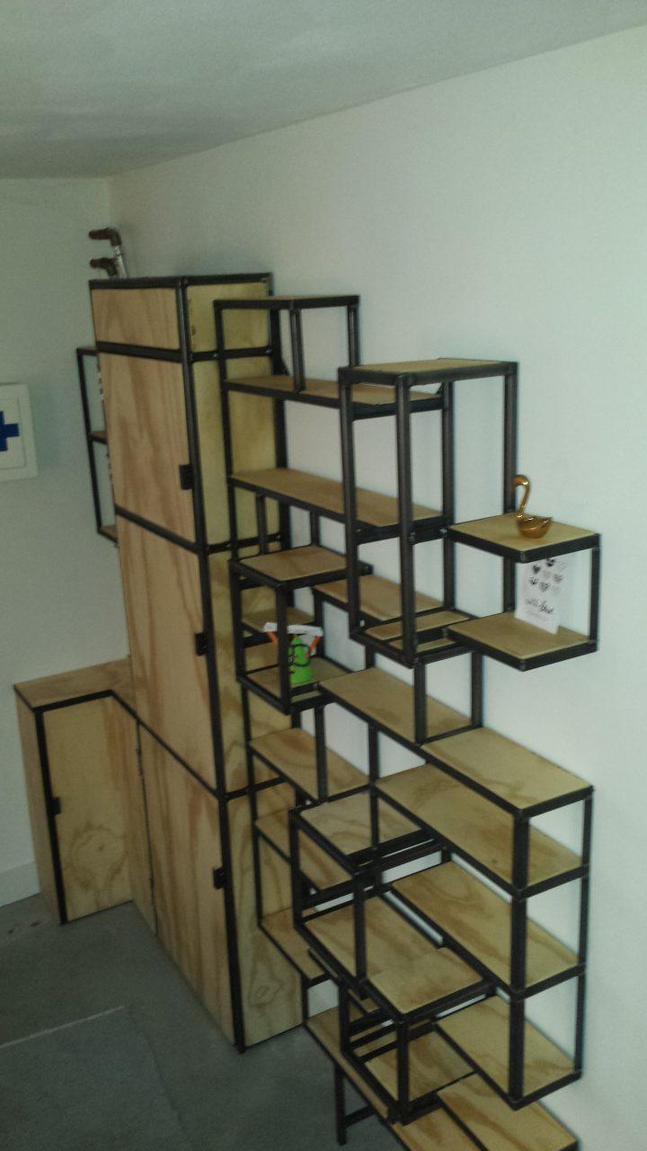 Keukenmeubel annex meterkast | Henkst